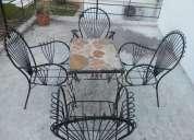 Imperdible!! vendo  juego de mesa y sillas de jardin!!!