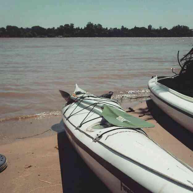 Excelente Kayak Paraná en muy buen estado