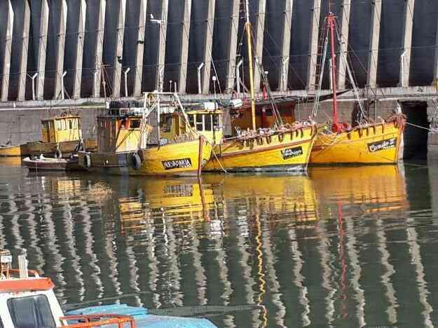 Vendo o permuto lancha pesquera con permiso de pesca
