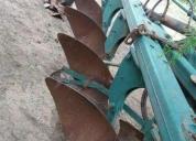 Oportunidad! arado color verde con levante hidraulica