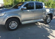 Excelente toyota hilux 2015
