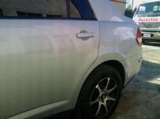 Excelente Nissan 2008