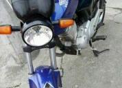 Vendo linda moto solo efectivo