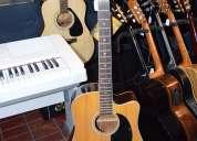 Guitarra electroacÚstica aria