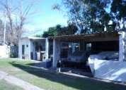 Casa americana en esquina con quincho en burzaco oeste