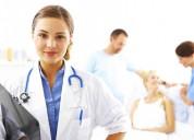 Los doctores de trabajo duros, la enfermera, el técnico de laboratorio,