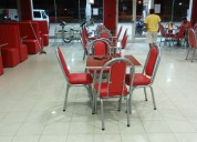 Mesas y sillas para bares y restaurantes.
