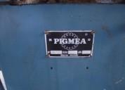 Minerva marca pigmea a rodillos con motor monofasico.