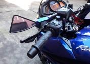 Rouser as 200 azul casi sin rodar solo 190 km .. digna de ver ..