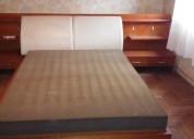 cama matrimonial con mesas de luz incorporada