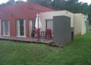Excelente casa de 5 ambientes, 2 baños.
