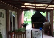 Alquilo casa 3 dormitorios, garage, baño y cocina amplio living