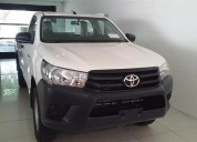 Toyota hilux cabina simple dx 2.4 diesel.