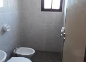 Alquilo habitaciones con baño privado.