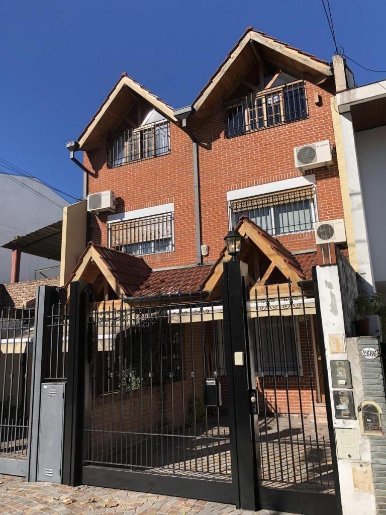 Venta Casa Triplex 5 amb Pileta Jardin Saavedra Nunez 4 dormitorios