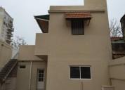 Departamento tipo casa de 3 ambientes con patio y parilla en el barrio de flores 2 dormitorios