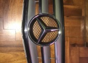 Parrilla frontal original mercedes repuestos