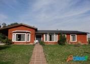 Venta casa en barrio privado tres dormitorios prados de la adelina club de campo en gualeguaychú
