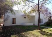 B los boulevares casa de 2 dormitorios amplia con garaje patio amplio con asador y jardin 110 m2