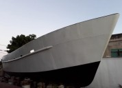 Liquido casco de acero naval