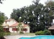 Hermosa casa quinta c piscina quincho y mucho verde 4 dormitorios