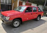 Toyota hilux  gasolina mecanica 4x2 doble cabina