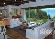 Hermosa casa para con 4 rodeada de bosque y con vista al lago 2 dormitorios