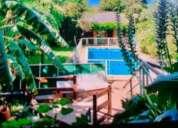 Excelente propiedad con garage parque y piscina 3 dormitorios