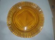 Plato de vidrio color caramelo tallado antiguo med